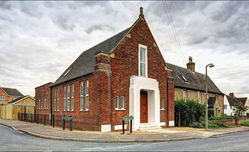 Painting a Stretham Baptist Chapel conversion, Ely