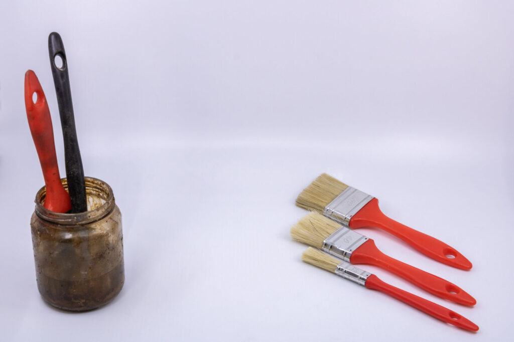 How to clean paint brushes with white spirit