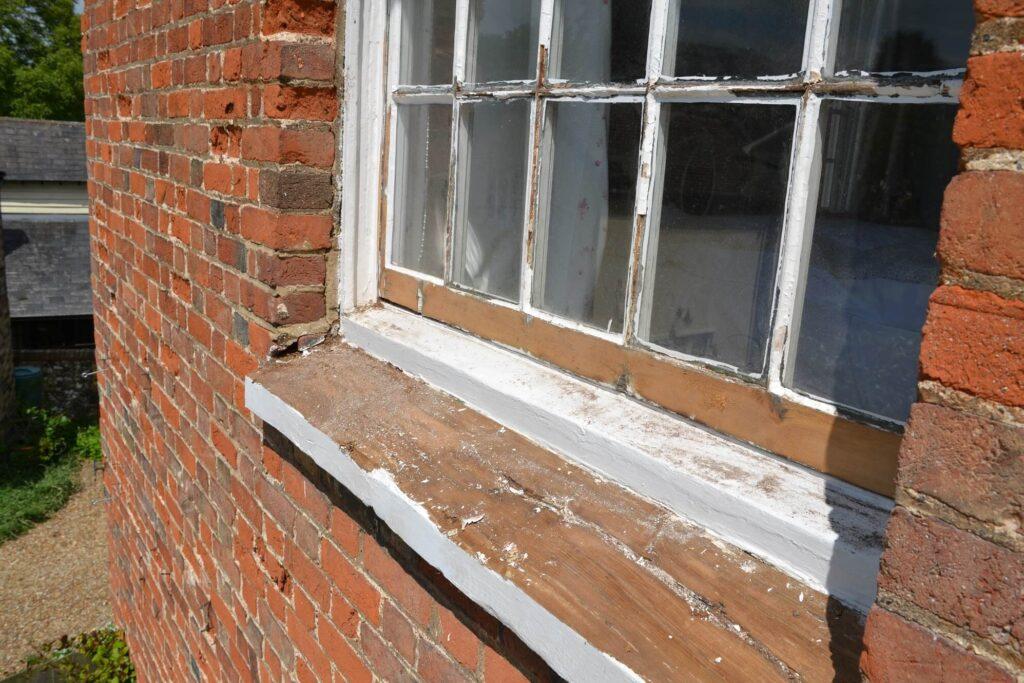 Sash windows redecoration in Barley