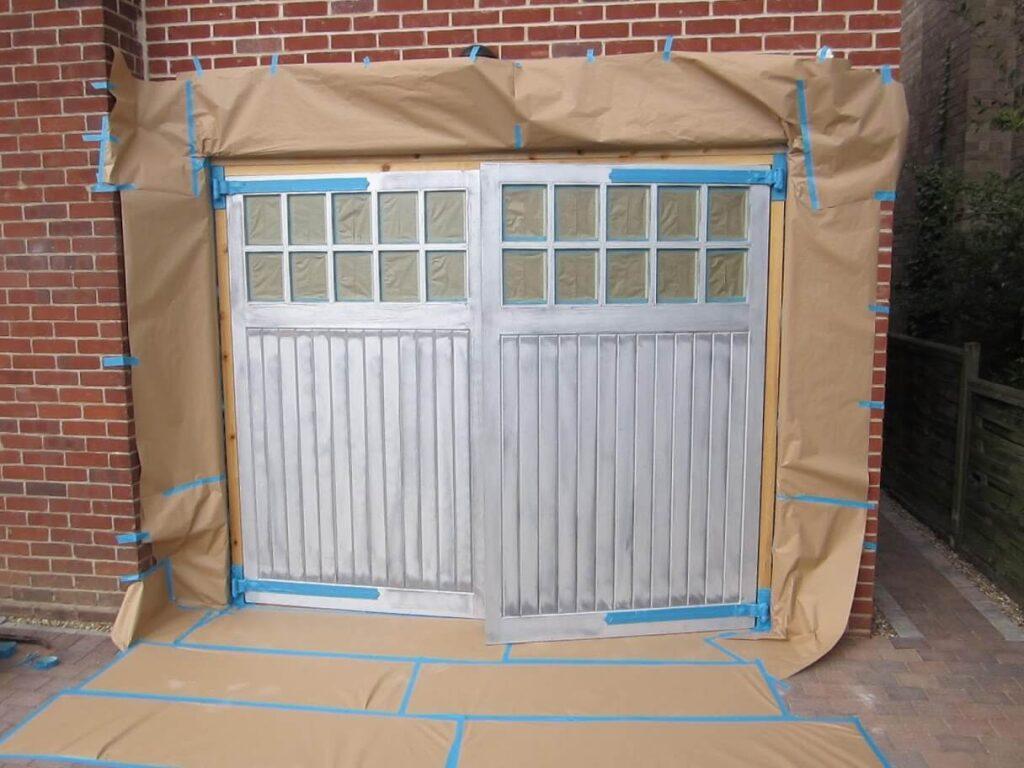 Prepare the garage door for paint