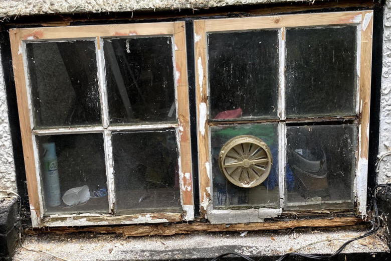 Window sill replacement and complete refurbishment | before
