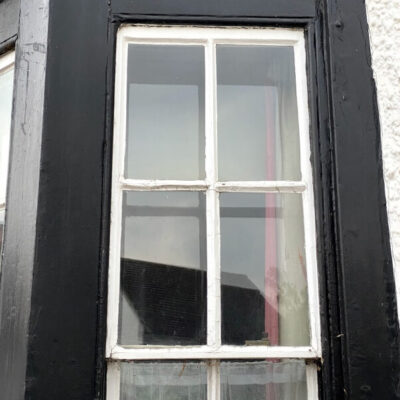 Unblocking stuck or painted shut sash windows