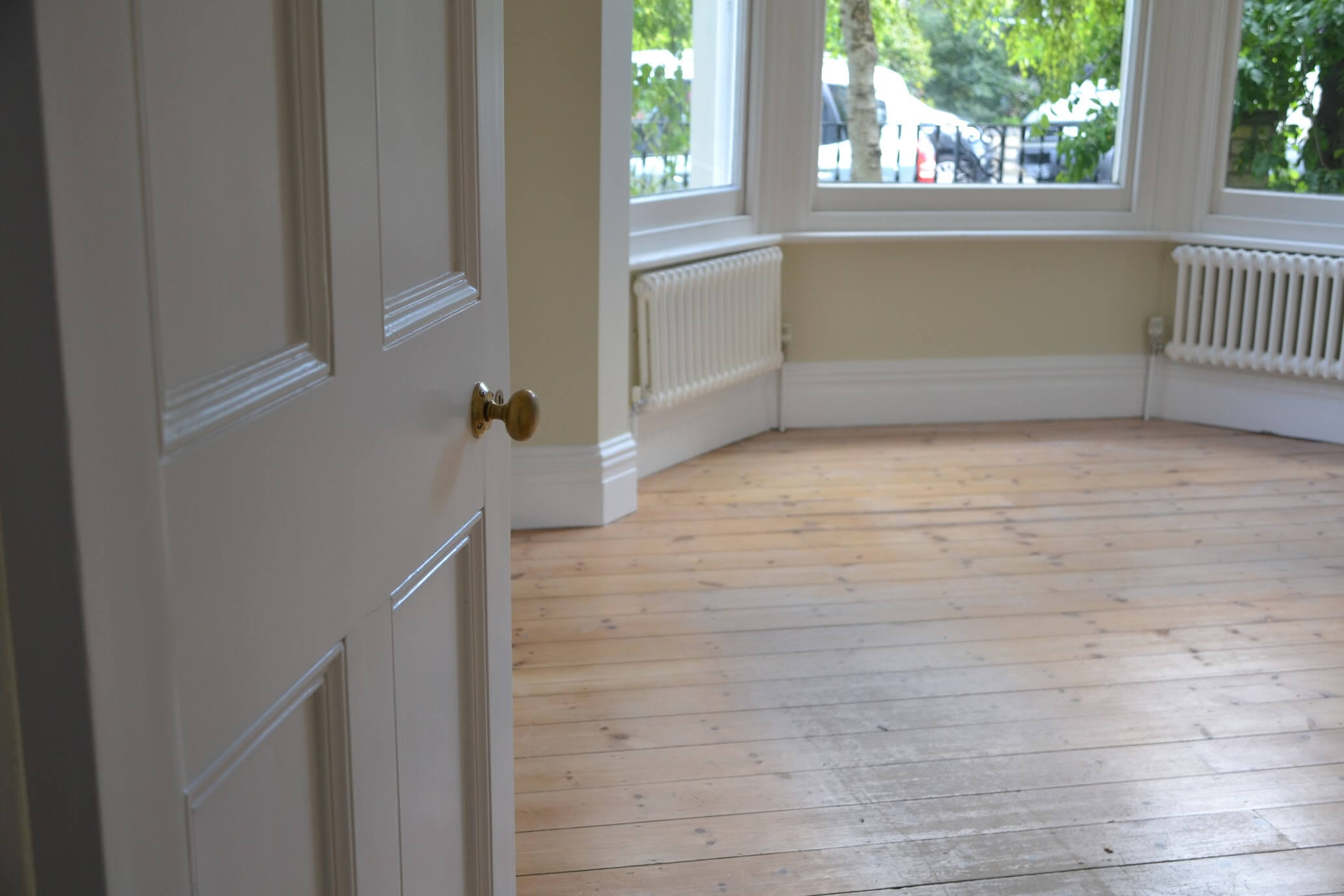Best paint for skirting boards
